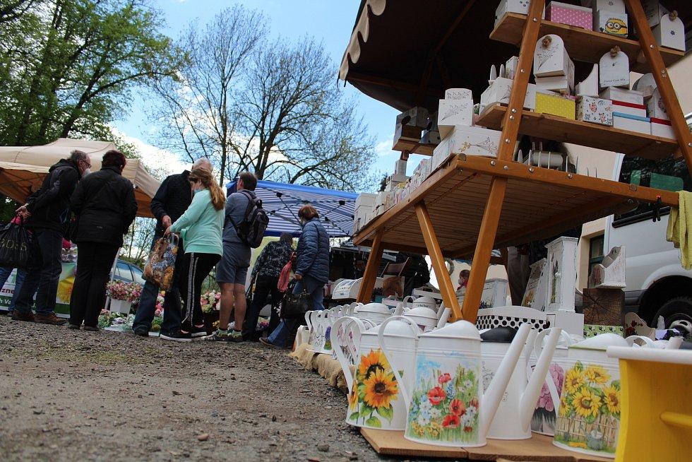 Ze zámeckých trhů v Doudlebách nad Orlicí