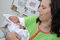 NATÁLIE ŠESTÁKOVÁ:  Rodiče Iva Šestáková a Honza Vrzal z Českého Meziříčí přivedli 25. dubna ve 23.44 hodin na svět dceru Natálku (2,69 kg a 49 cm). Tatínek byl u porodu mamince velkou oporou