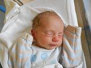 Richard Šimončič přišel na svět 12. května s váhou 2 320 g. Radost mají rodiče Jitka a Michael Šimončičovi. Tatínek to u porodu zvládl na jedničku. Společně budou bydlet v Žamberku.