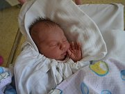 TEREZA HELLEROVÁ:  Rodiče Simona a Václav Hellerovi z Opočna přivítali na svět své první děťátko 1. května v 10:13. Holčička vážila 3180 gramů a měřila 50 cm. Tatínek porod nestihl.