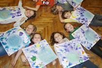 Žáci 3. C vyráběli své obrazy v rámci výtvarných dílen pod vedením Kláry Zářecké.
