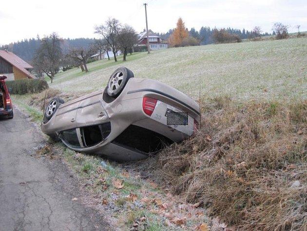 Nehoda automobilu u Javornice na Rychnovsku