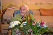 Jarmila Pohlová oslavila koncem roku své sté narozeniny. Životní elán jí ale rozhodně neopustil.