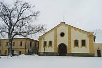 Rekonstrukce interiéru zámecké jízdárny v Opočně by mohla být dokončena již letos.