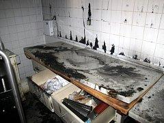Požár v kuchyni školní jídelny základní školy v Javorové ulici v Dobrušce.