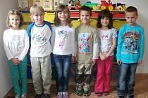 První třída základní školy v Pěčíně.