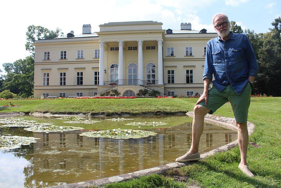 František Kinský u Nového zámku v Kostelci nad Orlicí