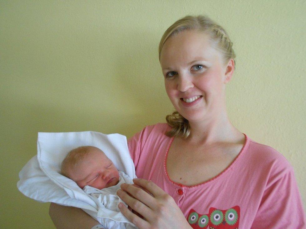 Filip Brůna se narodil 21. října 2018, vážil 3 430 g a měřil 53 cm. Radost z něho mají rodiče Zdislava a Tomáš Brůnovi z obce Lukavice i sestřička Emílie. Tatínek to u porodu zvládl perfektně a mamince byl velkou oporou.
