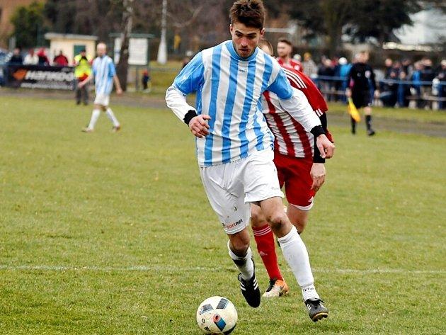 Kostelecký útočník Aleš Hašek v minulém kole vstřelil gól Jaroměři. Prosadí se v Dobrušce?