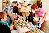 Velikonoční vítání jara na zámku v Potštejně.
