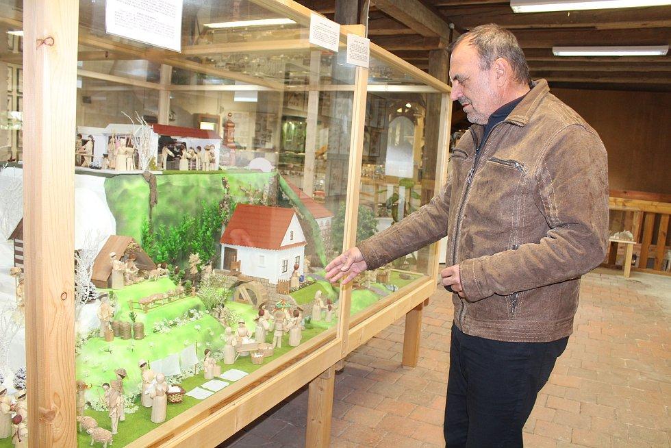 Petr Dujka v muzeu u doudlebského zámku
