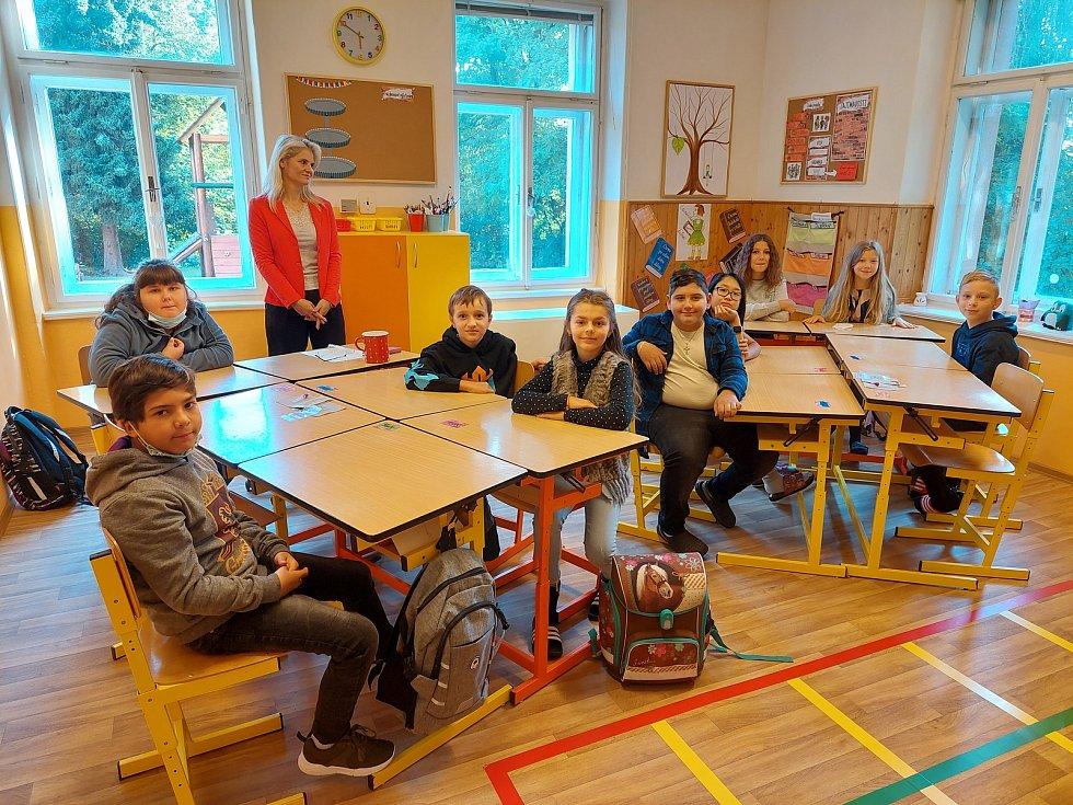 Z Církevní základní školy v Borohrádku.