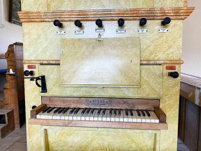 Varhany v Olešnici v Orlických horách.