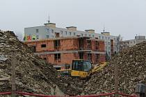 Developerský projekt na výstavbu bytových domů se rozjel v Javornické ulici na okraji Rychnova nad Kněžnou.