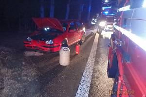 Mezi Borohrádkem a Česticemi se srazila auta.