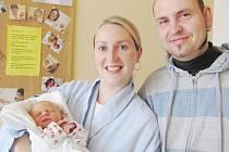 NELA ŠTANTEJSKÁ: Manželé Alena a Martin Štantejští z Vamberka mají radost z narození dcery Nelinky. Na svět přišla 10. října v 19.24 hodin (2,9 kg a 49 cm). Tatínek byl u porodu a zvládl to skvěle