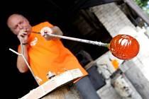 Výroba skla v Deštném v Orlických horách
