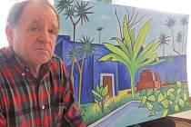 Výtvarný obor vystudoval Josef Kejval z Chábor až v padesáti letech. Do té doby byl amatérem. Dnes za svými náměty cestuje po světě