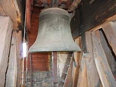 Zvon je srdcem města. Pukne to kostelecké?
