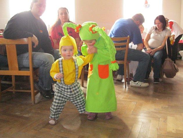 Karnevalový rej v Javornici plný zábavy.