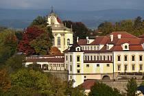 Obnovený barokní komplex.