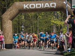 Druhého ročníku krosového Jarního půlmaratonu se zúčastnilo tři sta závodníků všech věkových kategorií.