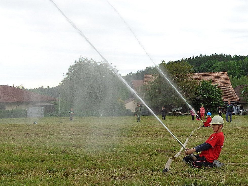 Útok voděradských dětí na okrskové soutěži. Na snímku David Hroch.