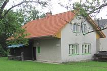 BUDOVA VZNIKLA  v roce 1948 přestavbou stodoly.
