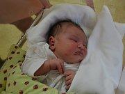 ELIZABETH HUŇADYOVÁ svým příchodem na svět potěšila maminku Martinu Hriceňakovou a tatínka  Vladimíra Huňadyho z Rychnova nad Kněžnou. Holčička se narodila 25. dubna v 9:46 s váhou 4250 gramů a délkou 51 cm. Tatínek byl u porodu super oporou.