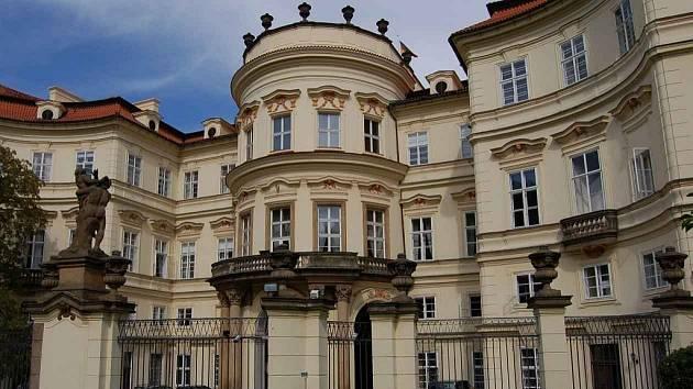 Německé velvyslanectví v Praze.