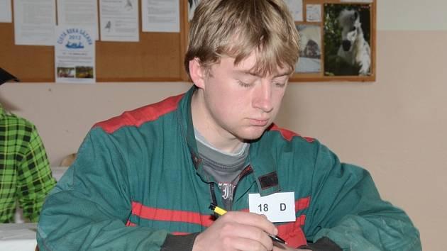 Absolvent čtvrtého ročníku studijního oboru Agropodnikání Tomáš Vacek