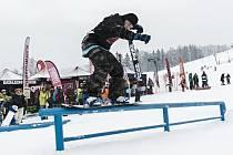 Letošní seriál snowboardových happeningů Just Ride Winter 2016 odstartoval v Deštném v O. h.