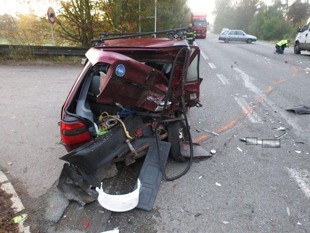 Dopravní nehoda na hlavním tahu od Rychnova do Hradce Králové.