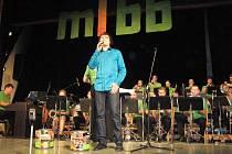 Dvacet let působí na hudební scéně Mladý týnišťský big band. Oslavu si jeho členové užili.