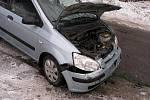 Dopravní nehoda osobního vozidla s dodávkovým vozidlem se obešla  bez zranění osob.