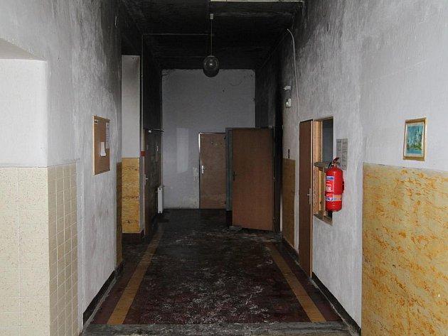 V Rychnově  hořela ubytovna, evakuováno bylo 26 lidí