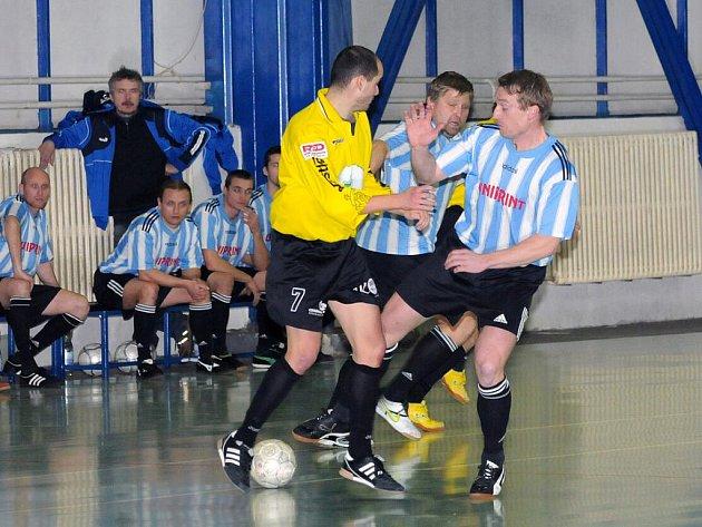 Hráči týmu Bomby k tyči Vamberk jako nováček celostátní ligy sálového fotbalu – futsalu splnili svůj cíl na sto procent