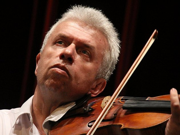 Jaroslav Svěcený.