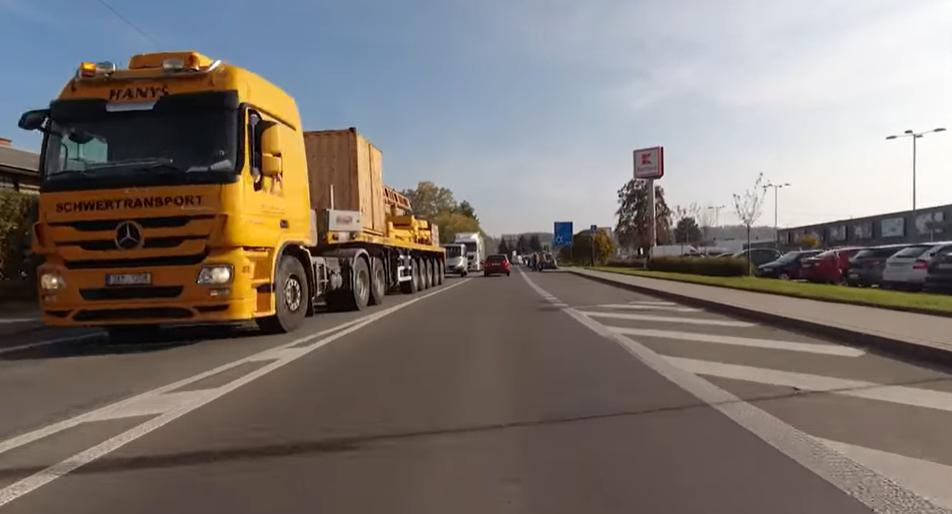 Hustý provoz přes centrum Rychnova