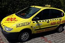 Taxíky teď většinou stojí.