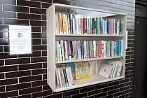 Letní knihovna na koupališti