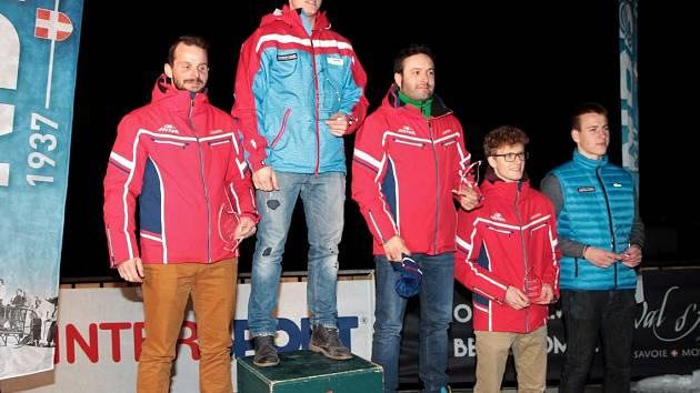 STUPNĚ VÍTĚZŮ. Český skibobista Pavel Čiháček ve Francii nenašel přemožitele, když ovládl slalom i obří slalom.