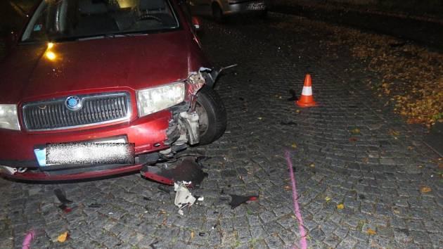 Dopravní nehoda dvou osobních automobilů v historické části Rychnova nad Kněžnou.