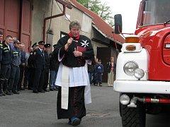 Solničtí hasiči převzali modernizovaný záchranářský vůz.