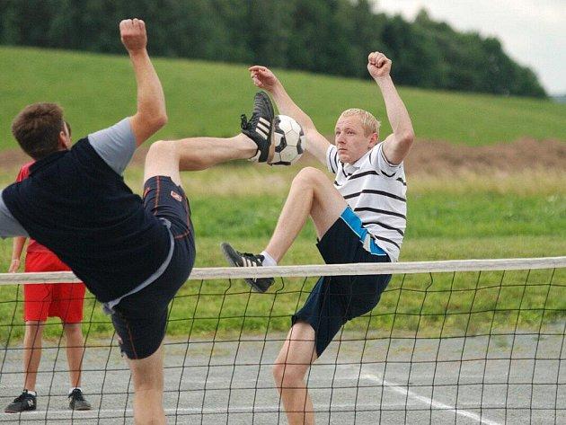 Oddíl TJ Sokol Lično uspořádal první červencovou sobotu již XXVI. ročník nohejbalového turnaje trojic.