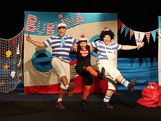 foto k Tři pohádkoví námořníci se sejdou v Pelclově divadle.