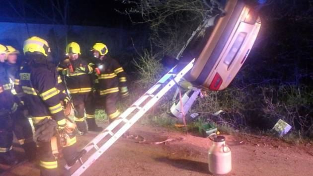 Na Rychnovsku koncem víkendu vyjížděli hasiči k dopravním nehodám.