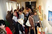 Vernisáž výstavy Heleny Bednářové v Lapidáriu Městského úřadu v Dobrušce