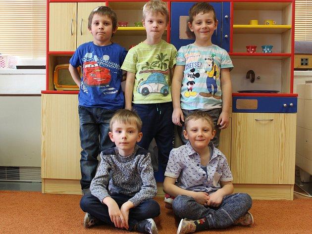 Předškoláci: Ríša, Martin, Honzík, Tomášek a Štěpánek.