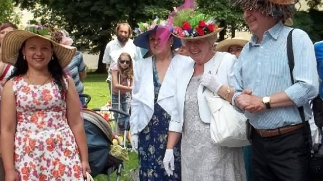 Promenáda v kloboucích odstartuje v neděli na doudlebském zámku.